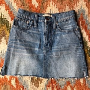 Madewell denim skirt size 24
